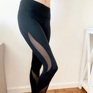 Michi Black Leggings with Curved Mesh Panels S